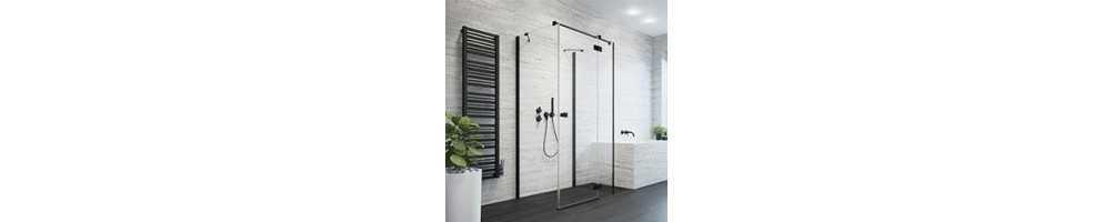 Prie lygios sienos montuojamos dušo kabinos